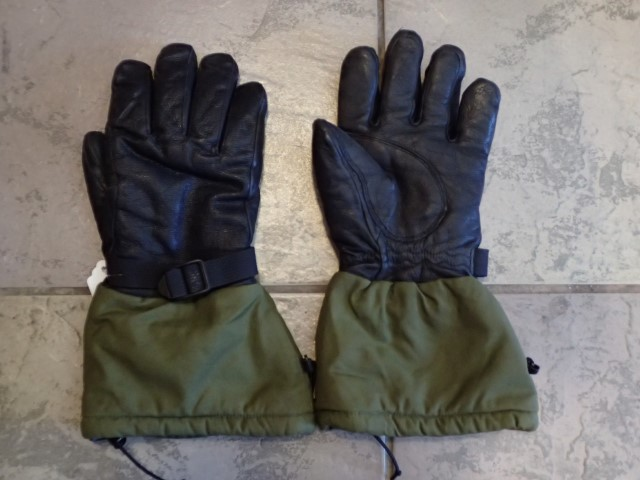 CF Gore-tex Glove - Large-ish, Army Issue